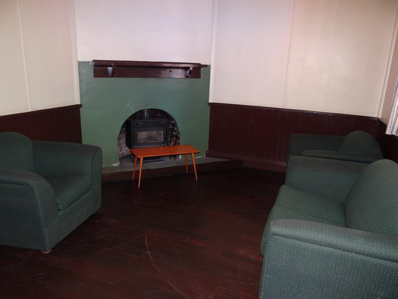 Marri Lounge Room_lge